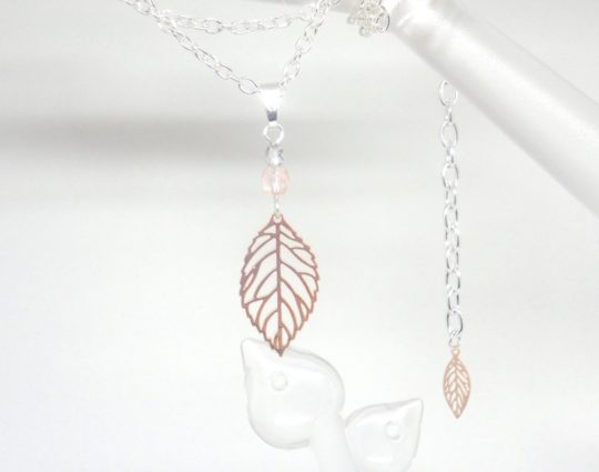 collier minimaliste feuilles et perles estampes mariage cérémonie argenté or rose gold