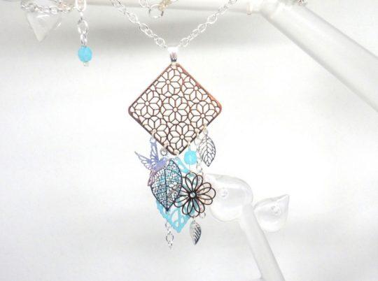 collier poétique losange fleurs oiseau feuilles or rose gold argenté turquoise clair bleu lagon argenté création Odacassie