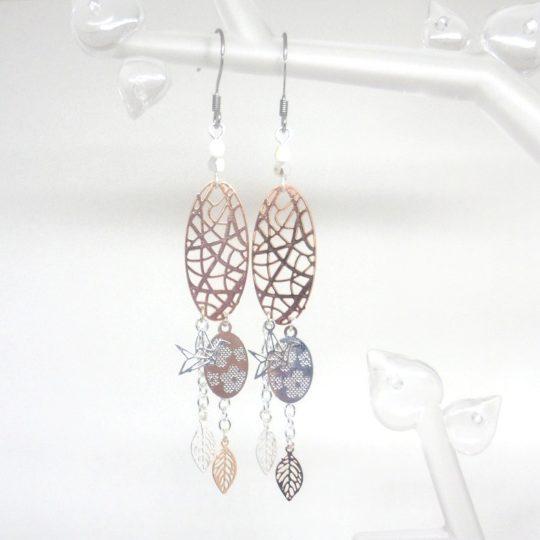 boucles d'oreilles ovales ajourés oiseaux origami pendentifs fleurs fines estampes feuilles or rose argent blanc nacré création faite main par Odacassie