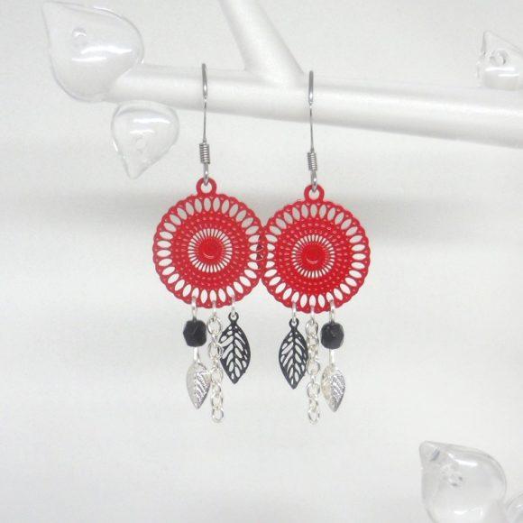 boucles d'oreilles estampes rouges et noires