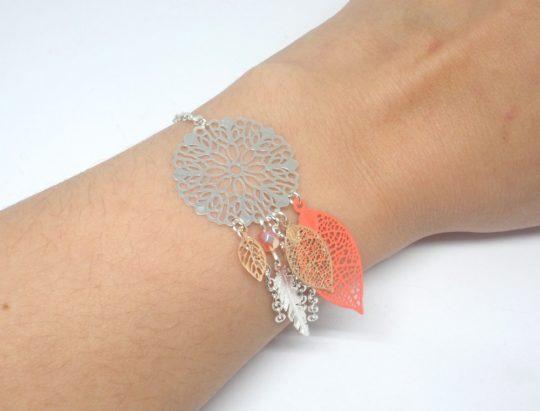 Bracelet corail argenté or rose rose dreamcatcher attrape-rêves estampes feuilles plumes perles en verre de Bohême création édition limitée Odacassie