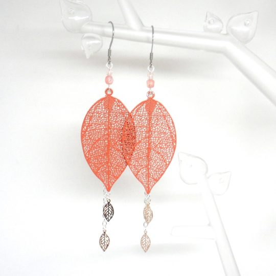 Boucles d'oreilles feuilles et perles coloris au choix fines estampes pièces uniques Odacassie bijoux et accessoires faits main
