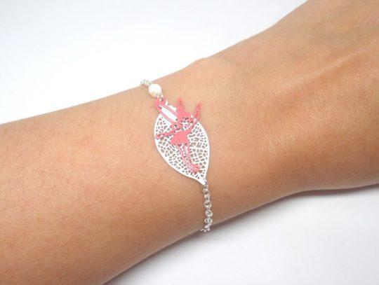 Bracelet fée argenté blanc violet ou rose coloris au choix feuille perles fines estampes par Odacassie les créations de Cassandre bijoux et accessoires faits main bijoux poétiques bohèmes romantiques