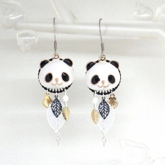 Boucles d'oreilles pandas doré blanc noir argenté feuilles coquillages perles par Odacassie les créations de Cassandre bijoux et accessoires faits main