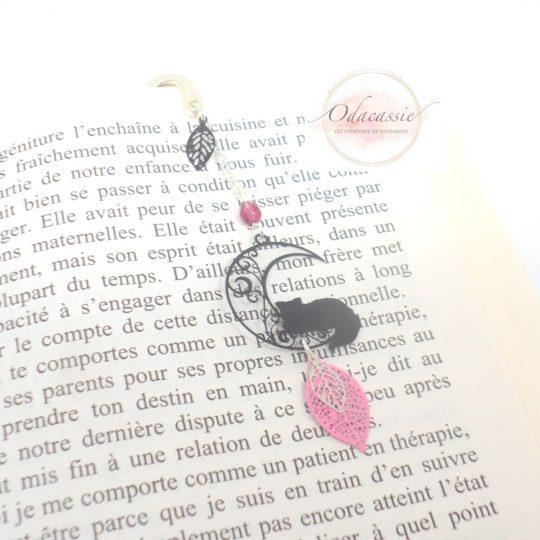 Marque-page chat sur la lune noir rose rose fuchsia argenté marque-page métal avec fines estampes par Odacassie petit cadeau idéal fan de lecture livres
