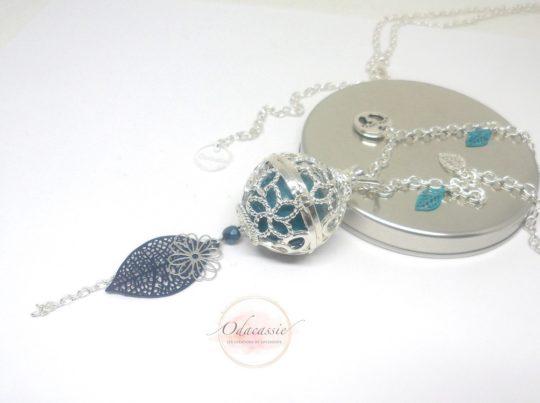 Bijou de grossesse teintes de bleu et argenté par Odacassie bijoux faits mains bola de grossesse