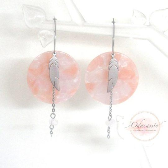 Créoles quartz rose acétate de cellulose plumes acier inoxydable par Odacassie