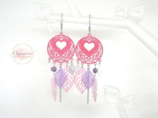 Boucles d'oreilles attrape-rêves cœurs plumes feuilles perles rose fuchsia violet mauve pièce unique par Odacassie